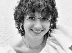 Micsoda loknik! Felismered fiatalkori fotóján a magyar énekesnőt?