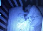 Sokkolta az anyát: szellembaba tűnt fel a bébimonitoron a fia mellett
