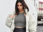 Kim Kardashian totál meztelenül pózol új parfüm kampányában