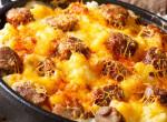 Egy igazi magyaros a hazai ízek szerelmeseinek: Krumplis-kolbászos egytálétel