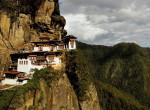 Van, amelyik szinte az égig ér: A világ 5 legszebb kolostora, amit látnod kell