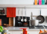 Elszörnyedt a férfi, amikor meglátta, mi szakította be a plafont a konyhájában
