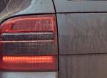 Ismeretlen eredetű porra panaszkodnak az autósok, mindent beborít