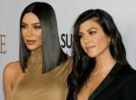 Kínos baki! Kourtney Kardashian fürdős képén röhög a világ! - Fotók