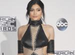 Kikadtak a rajongók Kylie Jennerre, mert ennyiért árulja új kollekcióját