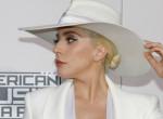 Senki nem érkezett meg Velencébe olyan stílusosan, mint Lady Gaga