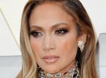 Jennifer Lopez ruhátlanul állt a kamerák elé, gyönyörűbb, mint valaha - Videó