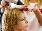 Irány a fodrász! Visszatér a 70-es évek legforróbb frizuratrendje