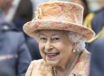 Erzsébet királynő divatot teremtett, te is ezt a kabátot viseled tavasszal