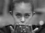 Odavan a világ a gyönyörű Down-szindrómás tornász-modellért, aki igazi inspiráció a nőknek