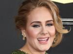 Így kell ünnepelni a karácsonyt: Nádszálvékonyra fogyott Adele - Fotó