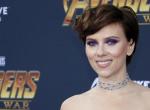 Szexragadozót véd Scarlett Johansson?
