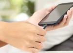 Ezért ne használj utángyártott mobiltöltőt - Az életedbe kerülhet!