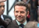 Hova lett a stílusa? Borzalmasan lezüllött Bradley Cooper - Fotók