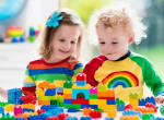 Vizsgálatot indított a Tesco: Hogyan adhattak el Lego helyett papírt?