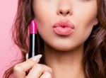 Fogadjunk, hogy erre még sose használtad a rúzsodat - A száj után most máshol is hódít