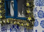 Ebben a cseh faluban nagyi jön, lát és mindent telefest virágokkal