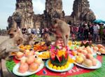 Majomparádé és paradicsomőrület – A világ 10+1 legfurább szokása és hagyománya
