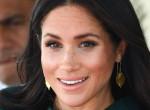Erzsébet királynő tombol: Teljesen átlátszó ruhában jelent meg Meghan