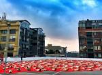 Százak fotózkodtak meztelenül egy parkolóház tetején