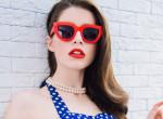Pofonegyszerű trükk, amivel többé nem lesz alapozós a napszemüveged