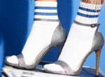 A zokni-szandál bizarr kombója a legnagyobb ünnepi trend, így viseld