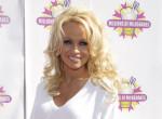 Pamela Anderson 52 évesen ismét ledobta a textilt - Fotók