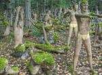 Egy park, amit nem mindenki szeretne látni: Bizarr látvány az erdő mélyén