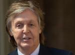 Rá sem ismernek a rajongói! Nővé öregedett Paul McCartney