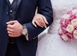 Döbbenet, milyen ruhában jelent meg a nő fia esküvőjén - A pap is őt bámulta
