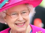Mindenki őt nézte: II. Erzsébet feltűnő szettben lépett nyilvánosság elé
