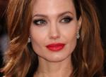 A nő, akiből sugárzik az elegancia: stílusleckék Angelina Jolie-tól
