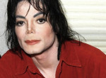 23 évesen sármos fickó Michael Jackson fia - Hosszú hajat növesztett!