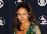 Divattörténelmet írt: Jennifer Lopez ikonikus ruhájában tért vissza a kifutóra