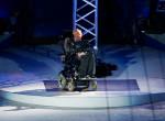 Stephen Hawking frenetikus bulit rendezett kizárólag időutazóknak, ez lett belőle