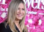 Három ruhadarab, ami Jennifer Aniston kapszula gardróbjából nem hiányozhat