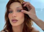 Bátor: így néz ki a 24 éves Bella Hadid smink és retus nélkül - Fotók