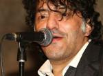 Gyász: meghalt a világhírű francia énekes