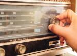 Hoppá! Színházban próbálják ki a népszerű magyar rádióst
