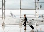 Lefotózták a nőt a reptéren – Kínos, amit kiszúrtak a képen