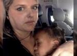 Zavar, ha sír egy baba a repülőn? Egy anya zseniálisan reagált a kínos helyzetre