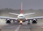 Kényszerleszállás Ferihegyen: meghalt egy utas a repülőgépen