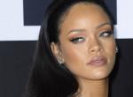 Szinte teljesen meztelenül mutatta meg magát Rihanna - fotók!