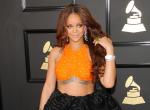 Rihanna 100 kg feletti modellel hirdeti fehérneműit - fotó