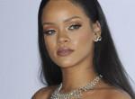 Megmutatta smink nélküli arcát Rihanna: rá sem ismerünk!