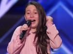 Állva tapsolta a zsűri a 10 éves kislányt, aki úgy énekel, mint Lady Gaga - Videó