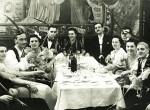 Így szilvesztereztek dédszüleink - Medencés partik, pezsgő, malac, Oktogon - Fotók