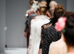 A modellek is emberek - ezek voltak a legnagyobb esések a divatbemutatókon