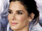 Sandra Bullocknál nincs szexibb anyuka: Így fest a sztár a hétköznapokon