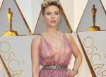Ezért viselte Scarlett Johansson Harvey Weinstein feleségének ruháját